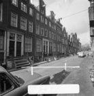 Tweede Weteringdwarsstraat 4 - 20 (ged.) v.r.n.l. met aansluitend rechts de acht…
