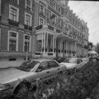 Prof. Tulpplein 1, Amstel Hotel, voorgevel gezien naar de Sarphatistraat