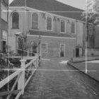 Begijnhof 48, Engelse Kerk, noordgevel. Geheel links een fragment van Begijnhof …