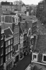 Reguliersbreestraat 39 (ged.) - 51 gezien vanaf het dak van het Tuschinski Theat…