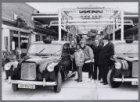 Winkelcentrum Gelderlandplein. Gratis ritjes in originele Engelse taxi's