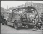 Op het Waterlooplein staat de brandweerauto uit de Beemster te koop