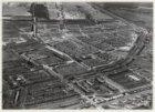 Luchtfoto van de Admiraal De Ruijterweg (links onder) en omgeving gezien in noor…