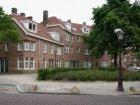 Van der Pekplein 1 t/m 7 (v.l.n.r.) met daarvóór plantsoen