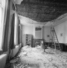 Keizersgracht 241, interieur met schouw , een grotendeels verwijderd stucplafond…
