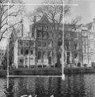 Singel 142 (ged.) - 150 v.r.n.l. Links de Bergstraat met zicht op de Herengracht