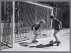 Nieuwe goals op de speelplaats in de Jekerstraat