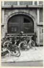 Een van de portalen van het Militiegebouw (Bushuis), Singel 423