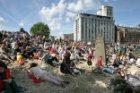 Publiek op het Stenen Hoofd bij de Westerdoksdijk tijdens Sail Amsterdam 2010, m…