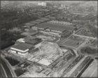 Luchtfoto van de bouwplaats van de nieuwe hallen van het RAI-complex, Europaplei…