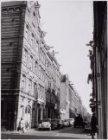 Haarlemmer Houttuinen 84-82 gezien van de kruising met de Buiten Dommersstraat n…