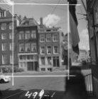 Waterlooplein 61 (ged.) - 65 links, rechts van de hoek Lazarussteeg 4 - 12 v.r.n…