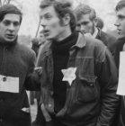 Jongeman met jodenster tijdens de demonstratie bij de Dokwerker op het Jonas Dan…