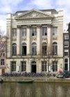 Keizersgracht 324 met verenigingsgebouw Felix Meritis (1787)