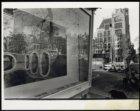 Keizersgracht hoek Leliegracht, bouwbord bij brug in aanbouw met presentatieteke…