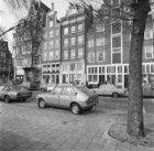 Singel 2 (ged.) - 6 v.r.n.l. met links aansluitend de zijgevel van Haarlemmerstr…