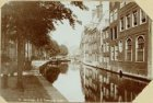 De Nieuwezijds Voorburgwal, de voormalige Boommarkt vóór de demping, ziende op d…