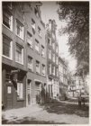 Prinsengracht 300-304 (v.r.n.l.). Links dansinstituut Joh.. E. Spijker. Op de ac…