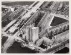 Luchtfoto van het Victorieplein en omgeving gezien in westelijke richting