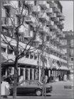 Lambertus Zijlplein. Gevelwand met markante balkons