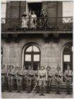 Bezoek koninklijke familie, op het balkon van het Koninklijke Paleis op de Dam