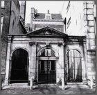 Het voormalige rooms-katholieke Armenkantoor, Keizersgracht 384 (poortje uit 177…