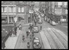 De Leidsestraat gezien vanaf de Keizersgracht in de richting van het Koningsplei…
