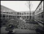 Patio van het nieuwe Turmac gebouw, Drentestraat 21 (later Antonio Vivaldistraat…