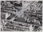 Luchtfoto van het Weesperplein en omgeving gezien in zuidoostelijke richting