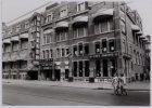 Het oude gebouw van drukkerij en uitgeverij Senefelder (anno 1978 Kosmos Meubele…
