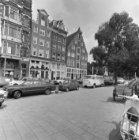 Singel 2 - 6 v.r.n.l. met aansluitend links Haarlemmerstraat 2