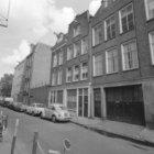 Rozenstraat 3 - 13 (ged.) met links daarvan de zijgevel van Prinsengracht 208
