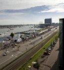 Overzicht van het publiek voor Sail op de De Ruijterkade