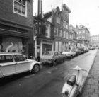 Eerste Goudsbloemdwarsstraat 2 - 24 v.r.n.l. met aansluitend links een deel van …