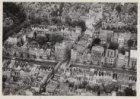 Luchtfoto van de Leidsestraat (midden) en omgeving gezien in oostelijke richting