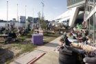 Terras van pop up-bar Toren in de voet van Toren Overhoeks, Overhoeksplein 1, ge…