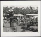 Monument voor de standwerker Meyer Linnewiel (1867-1934) alias Kokadorus op het …