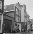 Hazenstraat 52 - 62 (ged.) v.r.n.l., rechts op de hoek de zijgevel van Elandsstr…