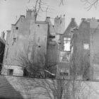 Karthuizersstraat 13 (ged.) - 19 v.r.n.l., woningen uit 1737, achtergevels gezie…