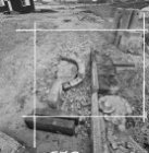 Gedemonteerde geveltop met jaartal 1742, onbekende locatie
