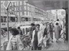 Ferdinand Bolstraat. Links de ingang van de Eerste Jan Steenstraat en de gevelwa…
