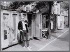"""Adriaan Nette. Bouwer van """"Container City"""" in de Paulus Potterstraat, vlak voor …"""