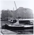 Koninklijk Theater Carré. Wintergezicht. Carré met Amstelschutsluis, Amstel 115-…