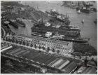 Luchtfoto van de Hollandia fabrieken, Kattenburg & Co., Valkenweg 4, en omgeving…