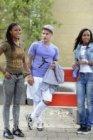 Edward 'Edje' van Gils met Michelle en Priscilla Playfair bij het straatvoetbalt…