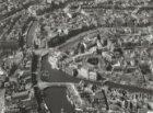 Luchtfoto Binnenstad met Muntplein, Rokin, links Singel, Vijzelstraat en rechts …