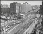 Panorama met de feestelijke plechtigheid ter ere van de eerste paal voor de metr…