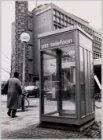 Een nieuw type telefooncel bij het Delta College, Wibautstraat 125