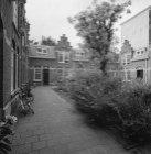 Keizersgracht 334-346, Hofje Liefde is het Fondament, binnenplaats