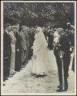 Koningin Wilhelmina bij de opening van de rhodondendron- en azaleatentoonstellin…